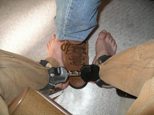 Locking metal restraints 07