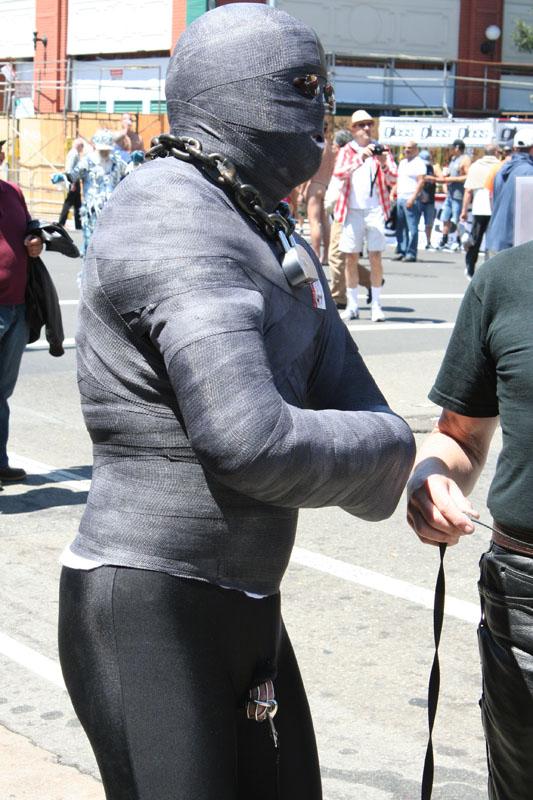 Dore Alley public bondage 2012