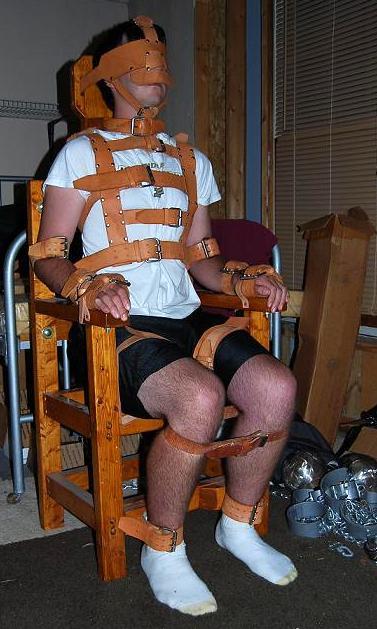 Metalbond gay male bondage 04