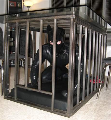 MetalbondNYC gay bondage caged men 06