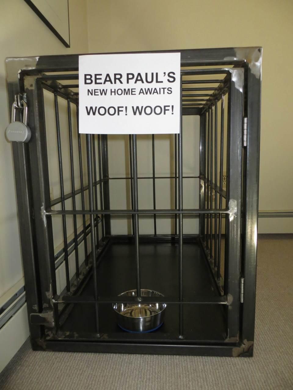 Bear Paul cage