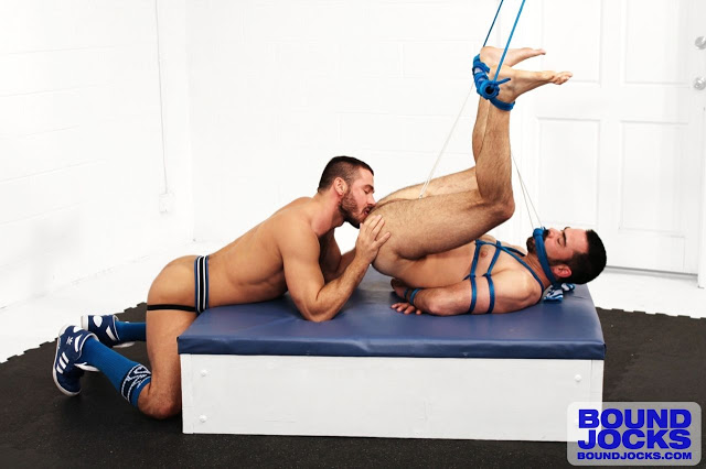 BoundJocks_11