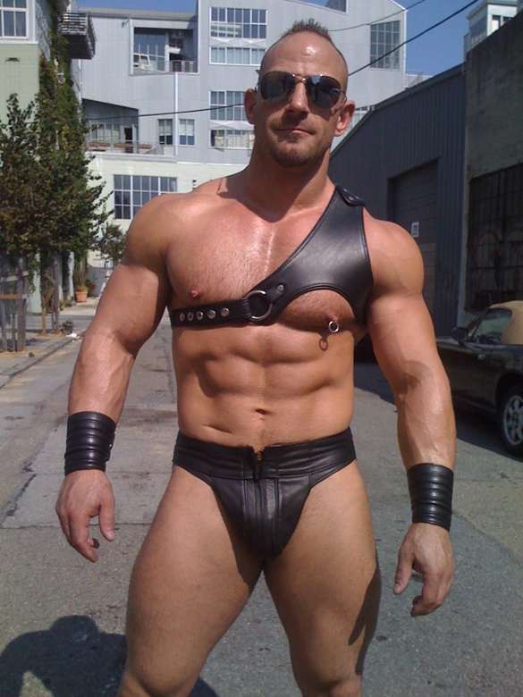 harness muscly guy jizzed