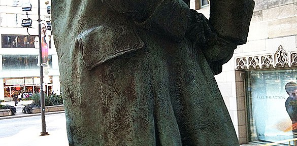 Nathan Hale statue