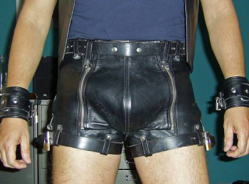 MetalbondNYC_leather_01