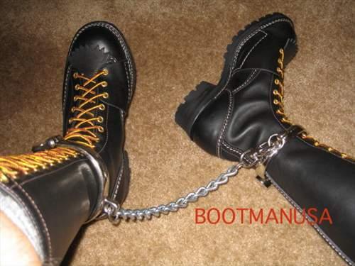 MetalbondNYC_dot_com_bootbondage_01