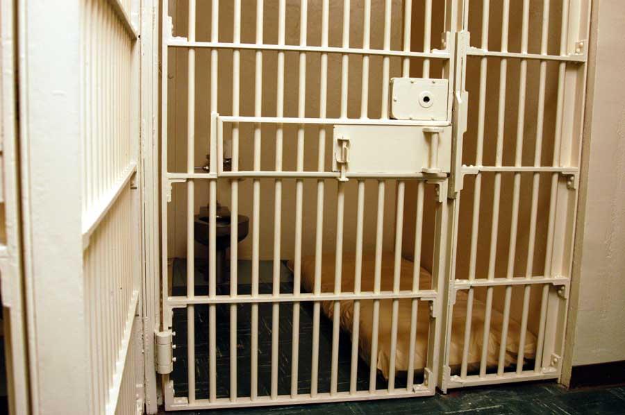 MetalbondNYC_jail_02