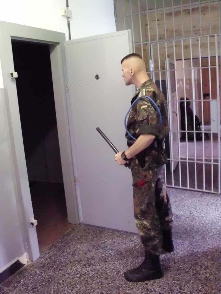 MetalbondNYC_jail_10