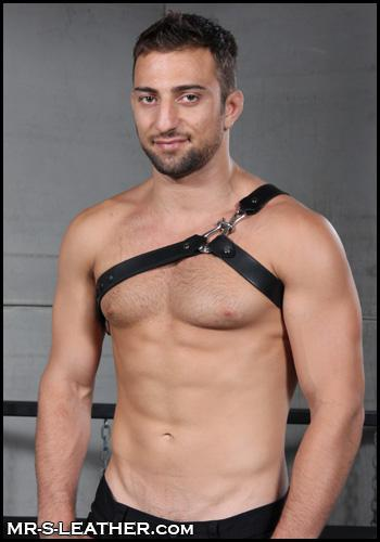 Sea-Dog-Gay-Leather-Harness-H033-3