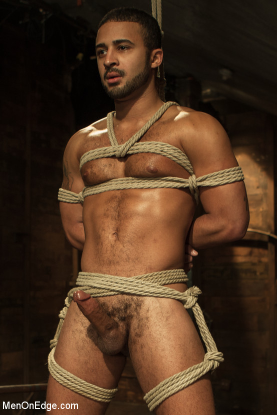 MetalbondNYC_Gay_Male_Bondage_MOE_02