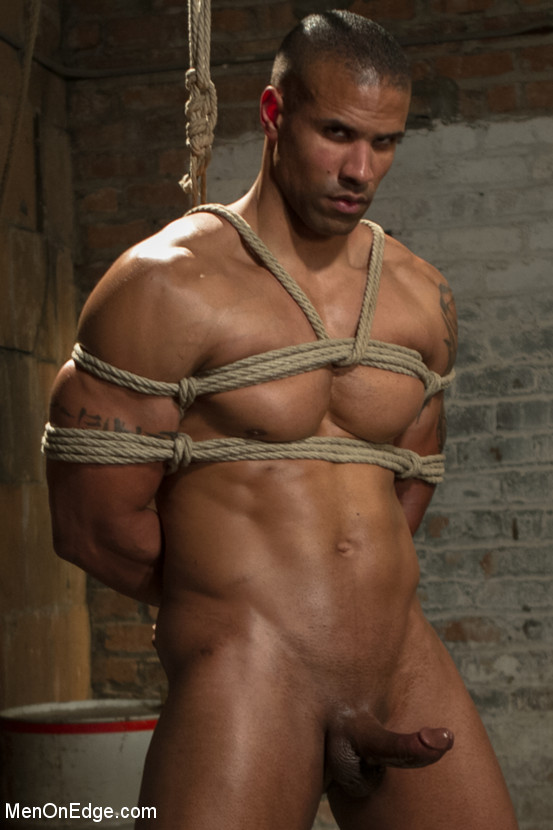 MetalbondNYC_Gay_Male_Bondage_MOE_03
