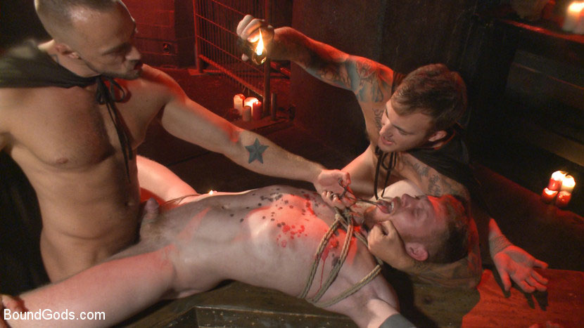 MetalbondNYC_gay_male_bondage_39078_7