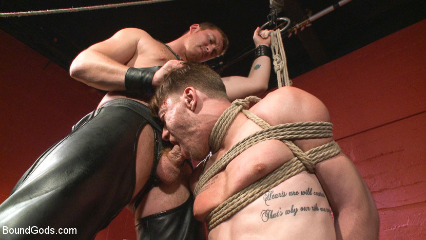 MetalbondNYC_gay_male_bondage_39081_7