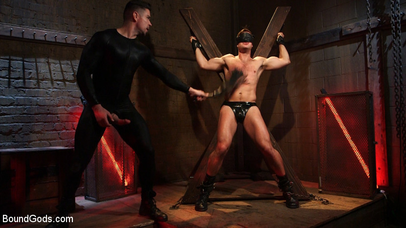 MetalbondNYC_gay_male_bondage_Trenton_Ducati_02
