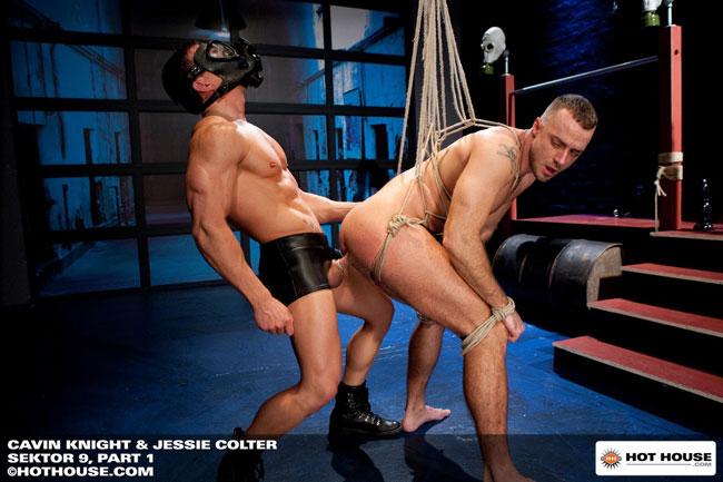 MetalbondNYC_gay_male_bondage_hot_house_07