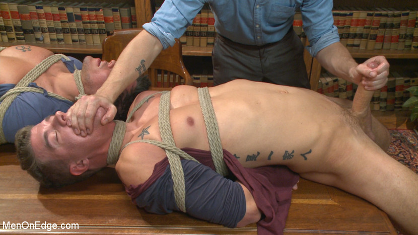MetalbondNYC_gay_male_bondage_men_on_edge_01