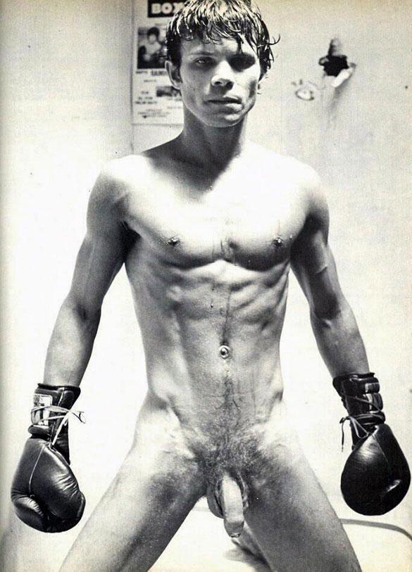 MetalbondNYC_gay_male_bondage_severe_testicle_torture_06