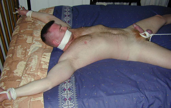 MetalbondNYC_tie_to_bed_01