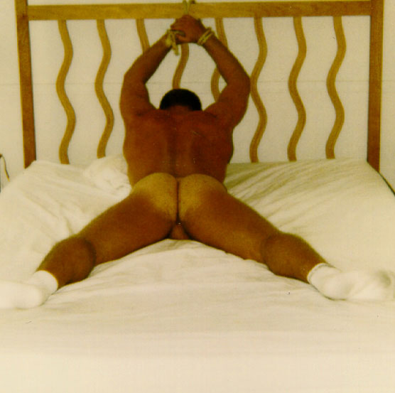 MetalbondNYC_tie_to_bed_03