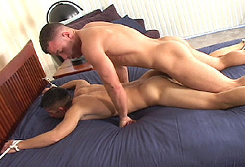 MetalbondNYC_tie_to_bed_07