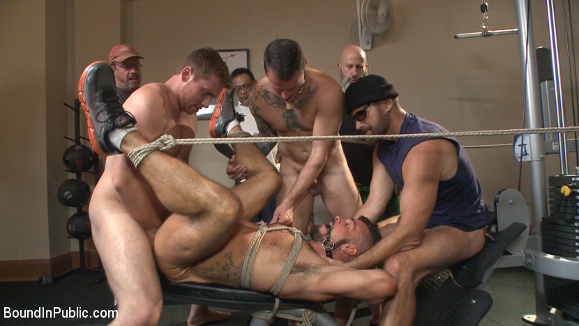 MetalbondNYC_Bound_in_Public_gay_bondage_04