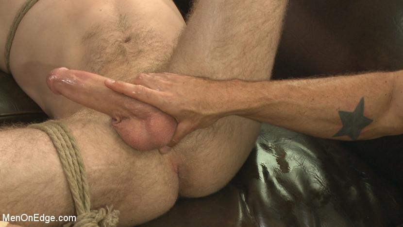 MetalbondNYC_Men_On_Edge_gay_bondage_04