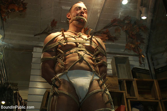 MetalbondNYC_bound_in_public_gay_bondage_03