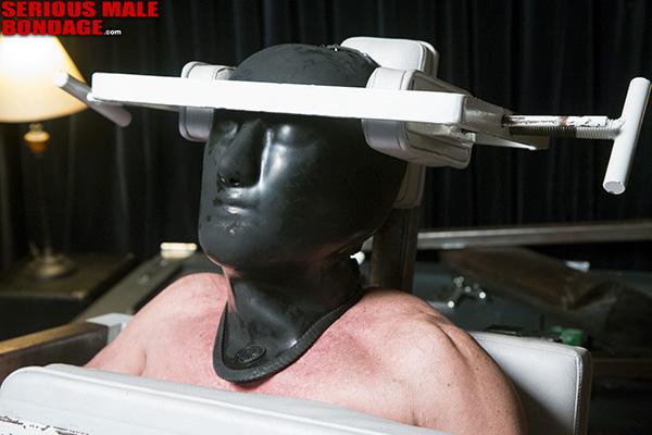 Academy_Bondage_Chair_01