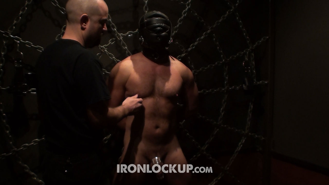 MetalbondNYC_gay_bondage_nipples_full_04