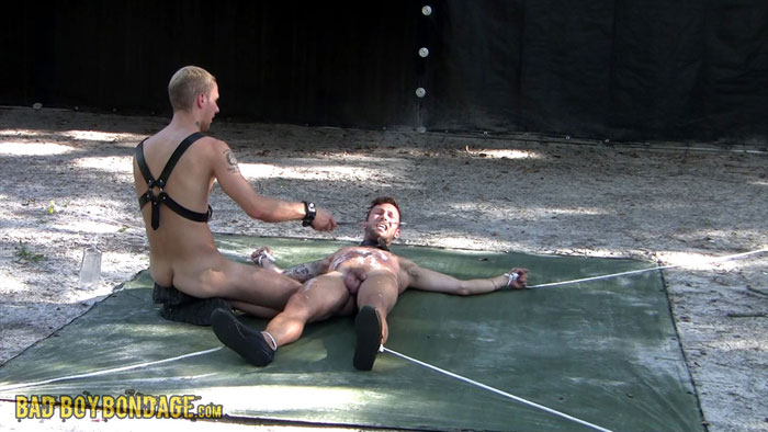 MetalbondNYC_gay_male_bondage_full_05