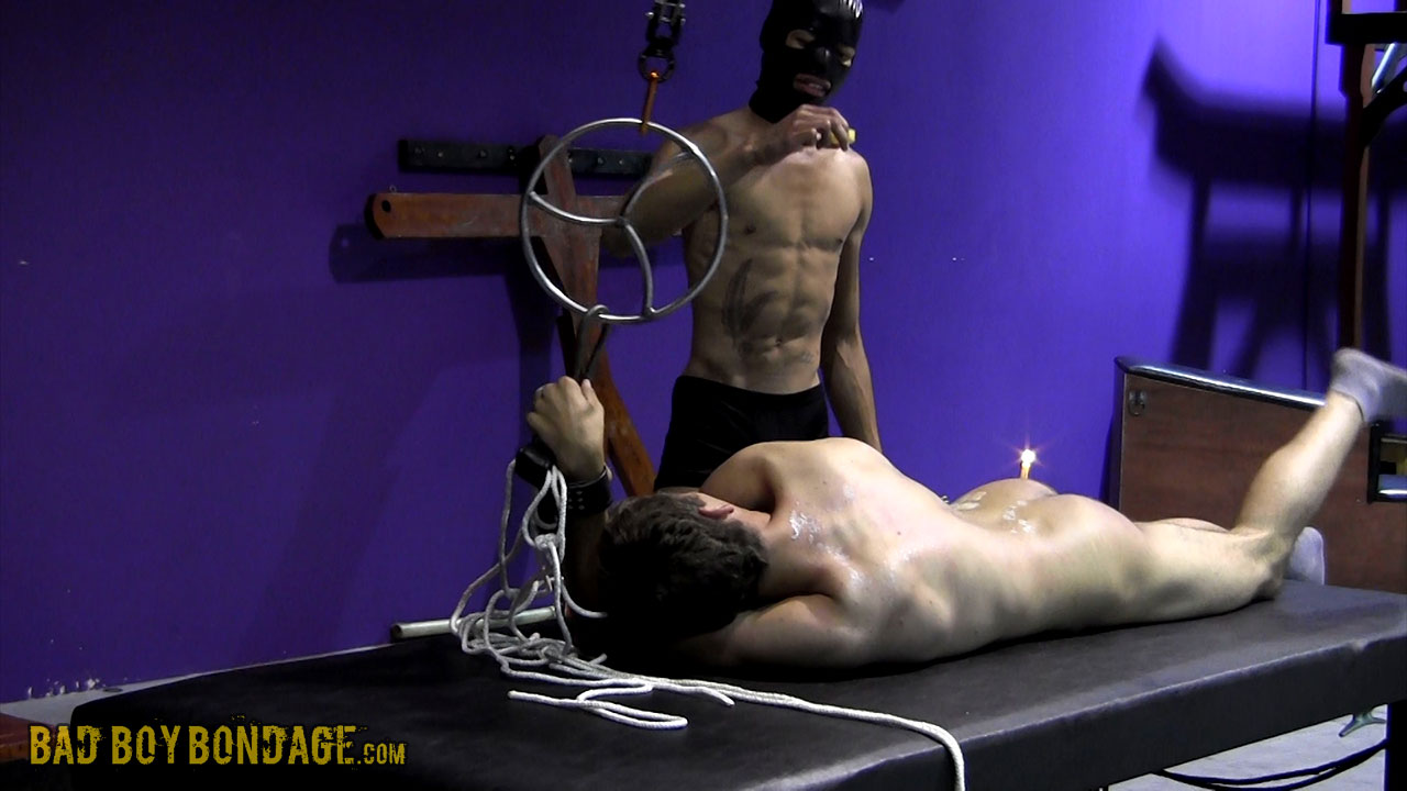 MetalbondNYC_gay_male_bondage_twinks_02
