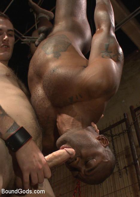 Christian_Wilde_gay_bondage_vert