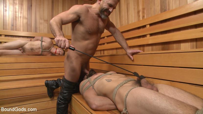 Dirk_Caber_gay_bondage_01