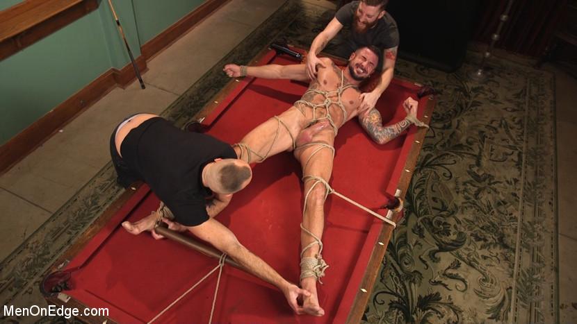 Dolf_Dietrich_gay_bondage_02