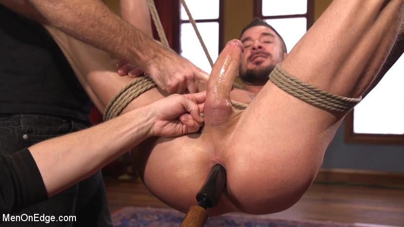 Dolf_Dietrich_gay_bondage_vertb