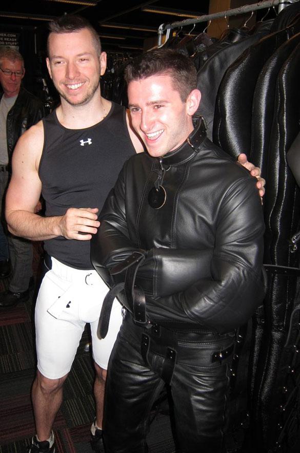 Gay_male_bondage_01