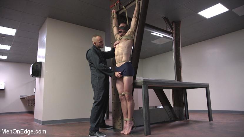 Jonah_Marx_gay_bondage_01