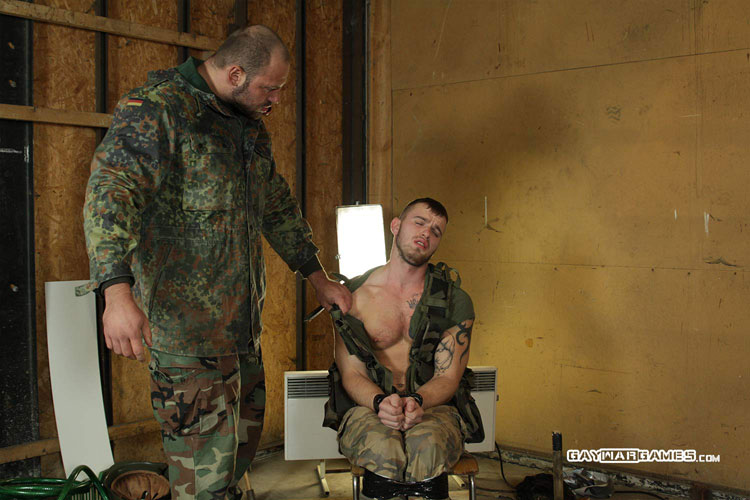 Soldier_Matthew_gay_bondage_08