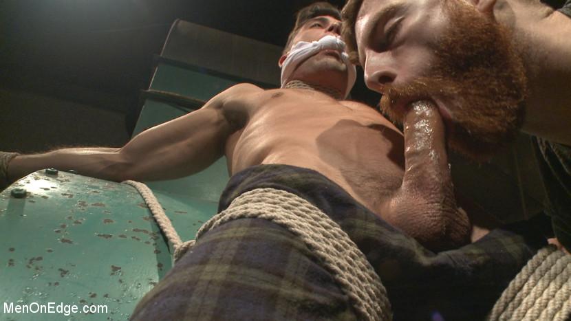 Lance_Hart_gay_bondage_02