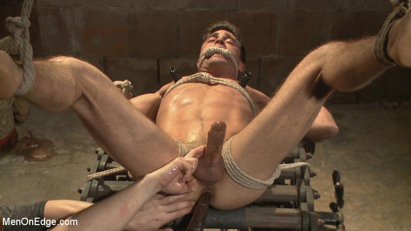 Lance_Hart_gay_bondage_07