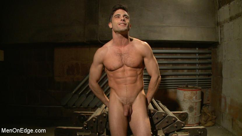 Lance_Hart_gay_bondage_vert