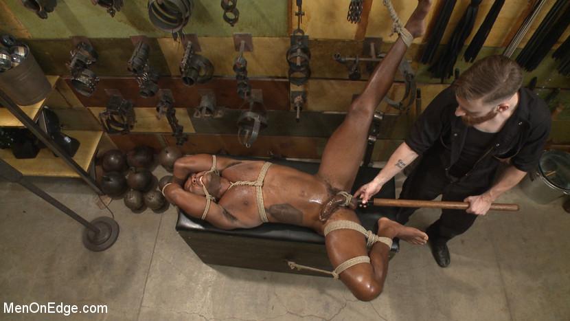 Osiris_Blade_gay_bondage_05