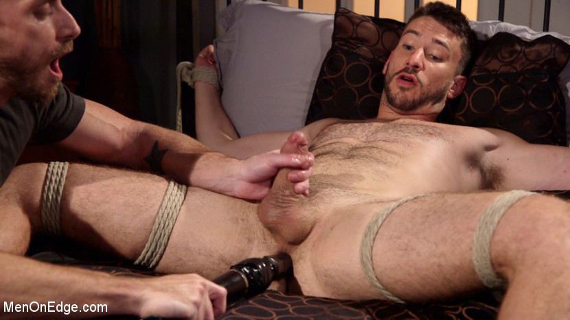 Owen_Powers_gay_bondage_05