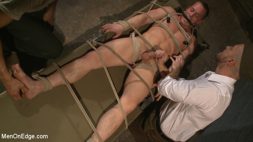 Tommy_Regan_gay_bondage_01