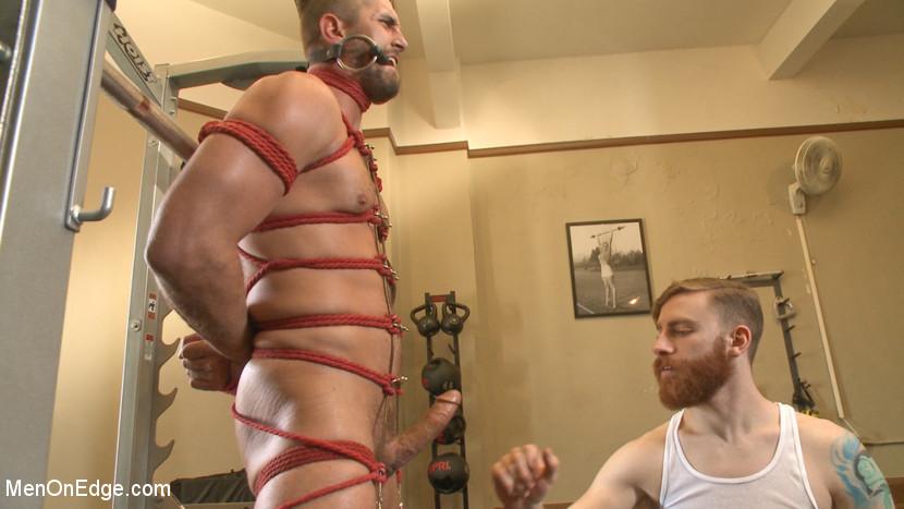 Wesley_Woods_gay_bondage_01