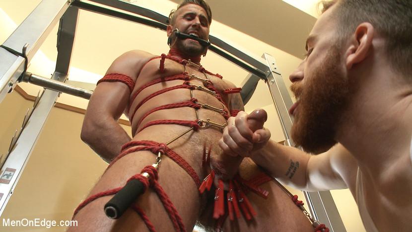 Wesley_Woods_gay_bondage_03