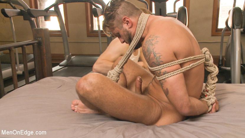 Wesley_Woods_gay_bondage_04