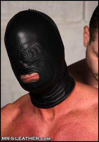 Christian_Mitchell_and_Blue_Bailey_leather_bondage_hood_03