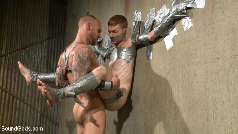 Damien_Michaels_Seamus_OReilly_gay_bondage_03
