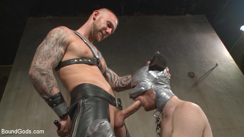 Damien_Michaels_Seamus_OReilly_gay_bondage_04